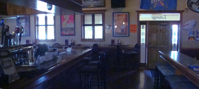 Snappers-Bar-and-Grill-032714-7